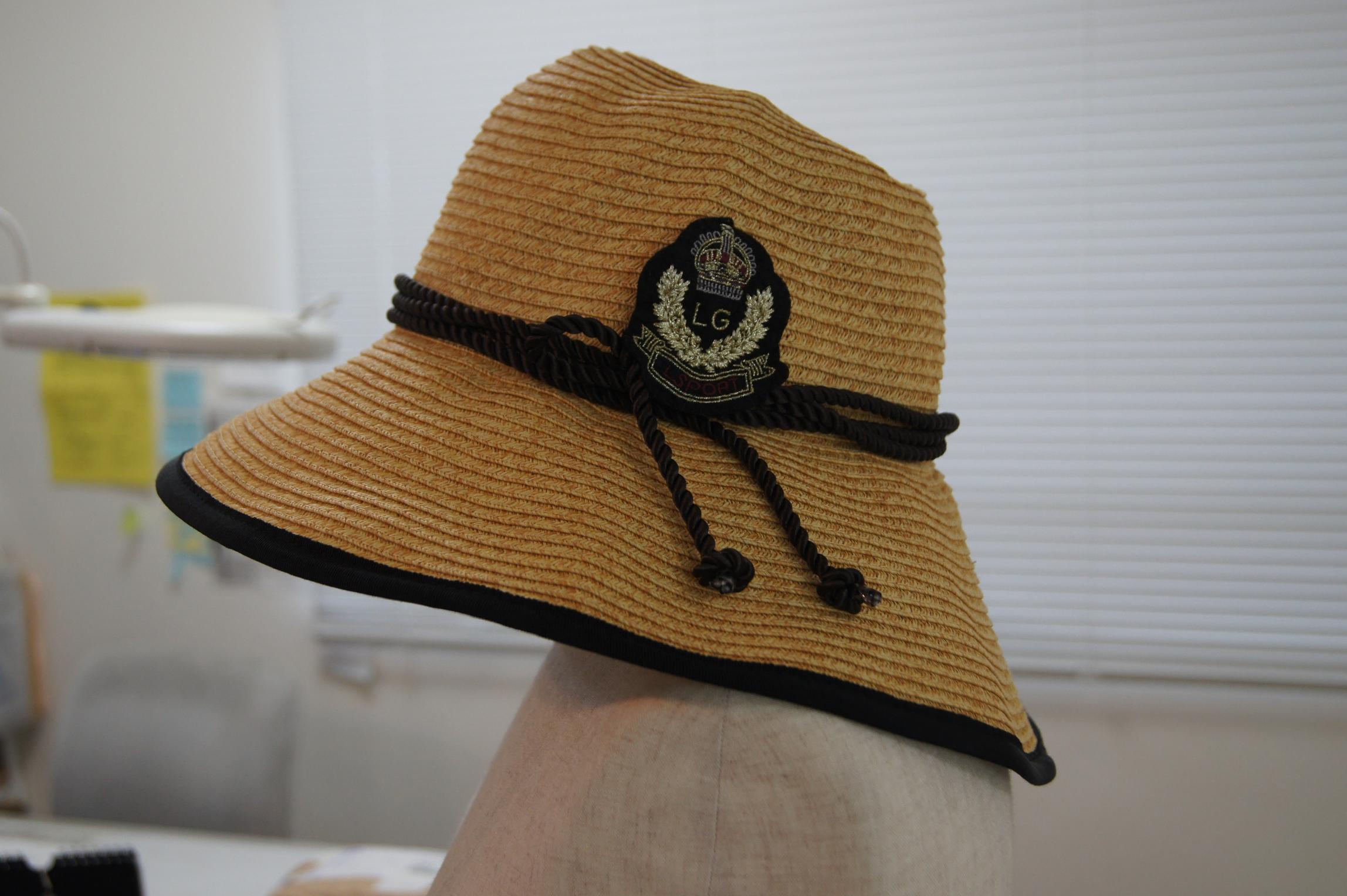 帽子修理後